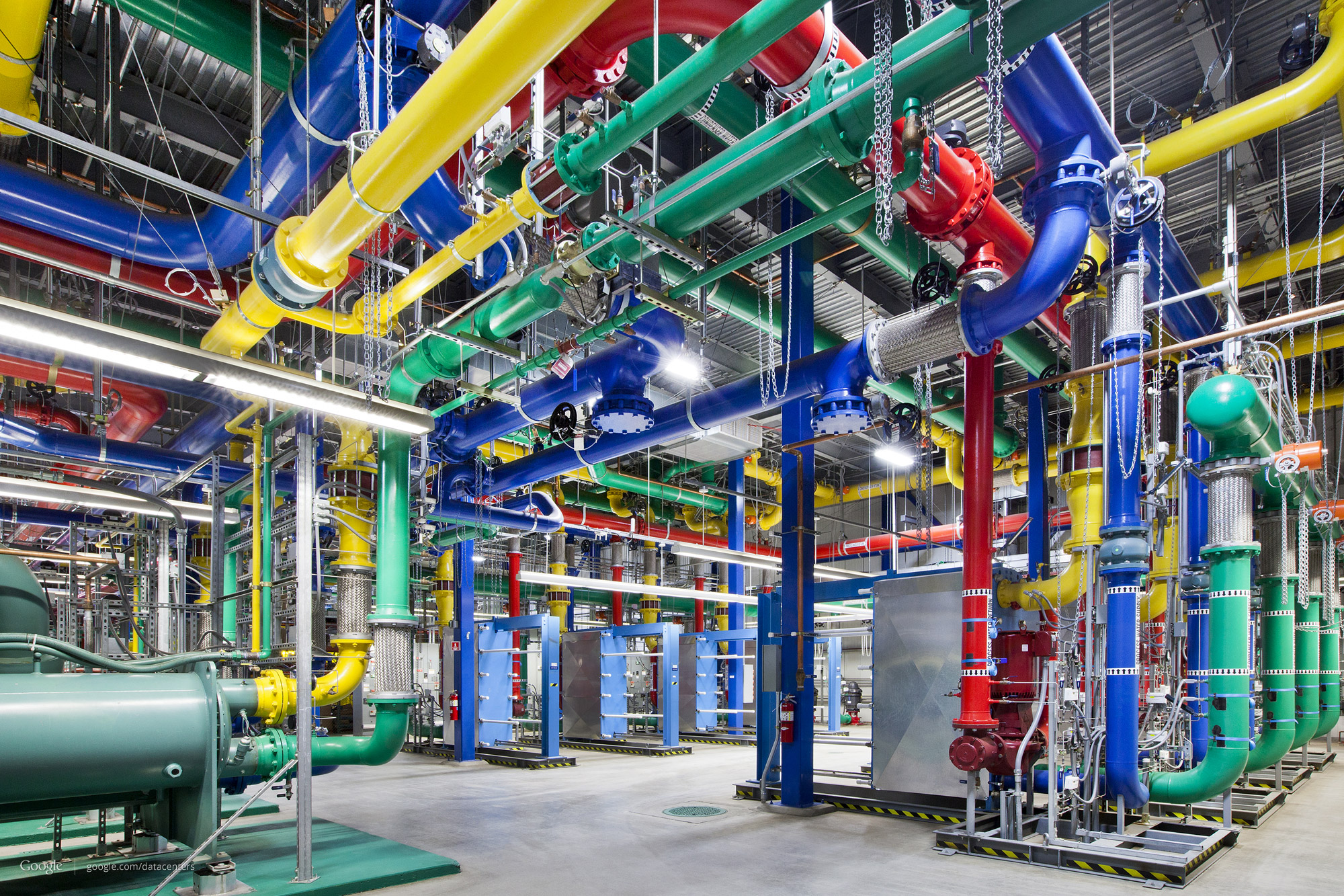 optimize-05468483-photo-google-datacenter