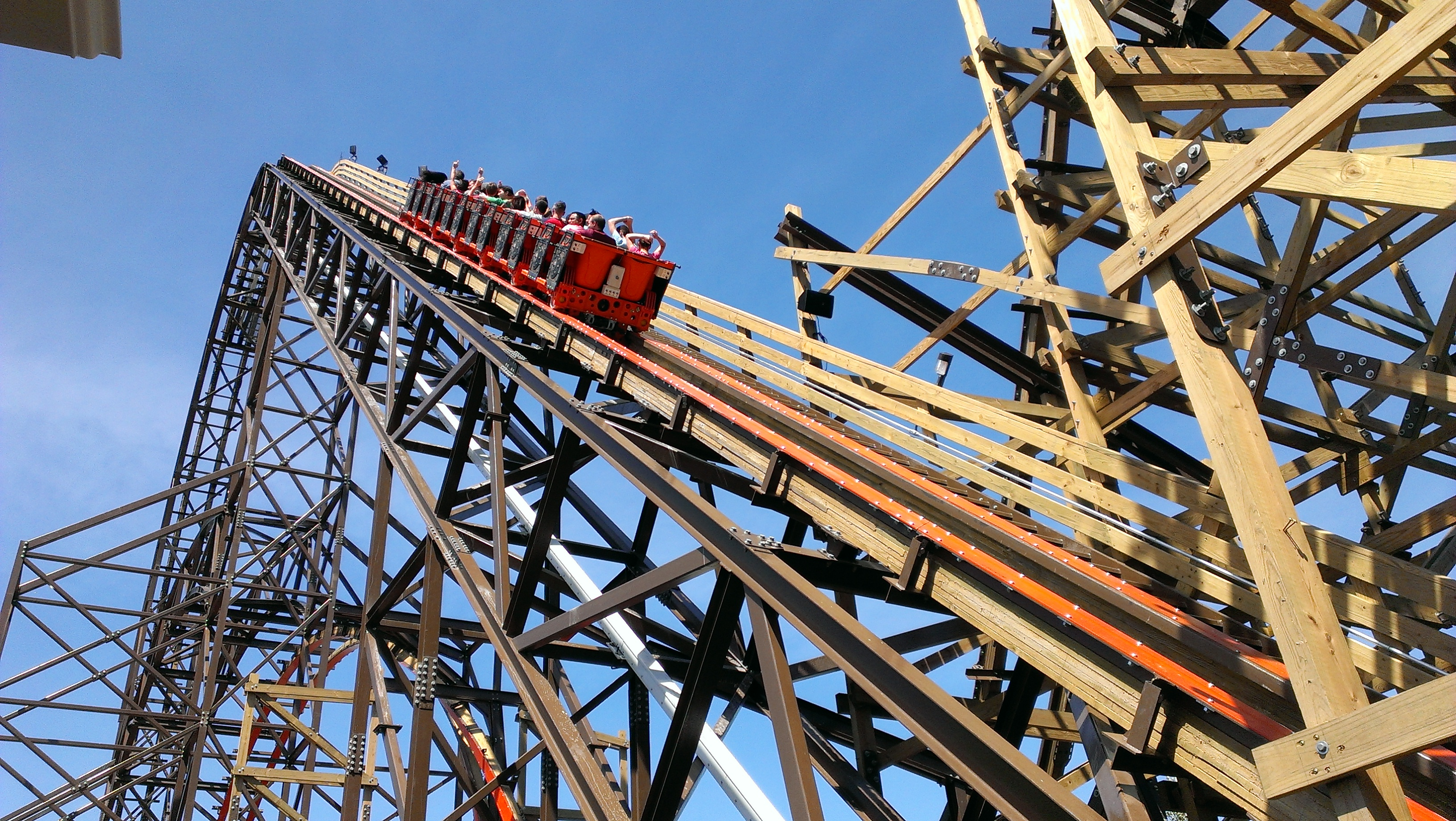Goliath-Great-America-02