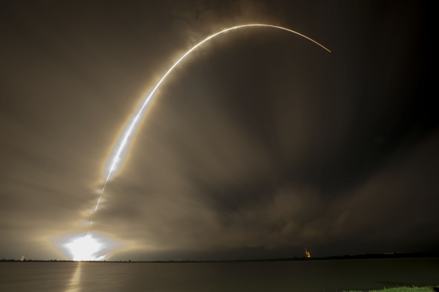 Falcon 9 carrying AsiaSat 8 to orbit (courtesy SpaceX)