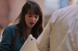 Lenovo Yoga 3 Bends, Messes With People In New Viral Advertisement