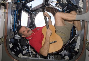 Contest: Maglus Wants To See Your Best Chris Hadfield Drawing