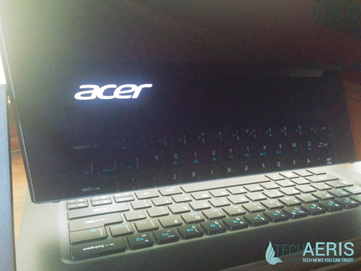 Acer Aspire R13 Review - Back Glass