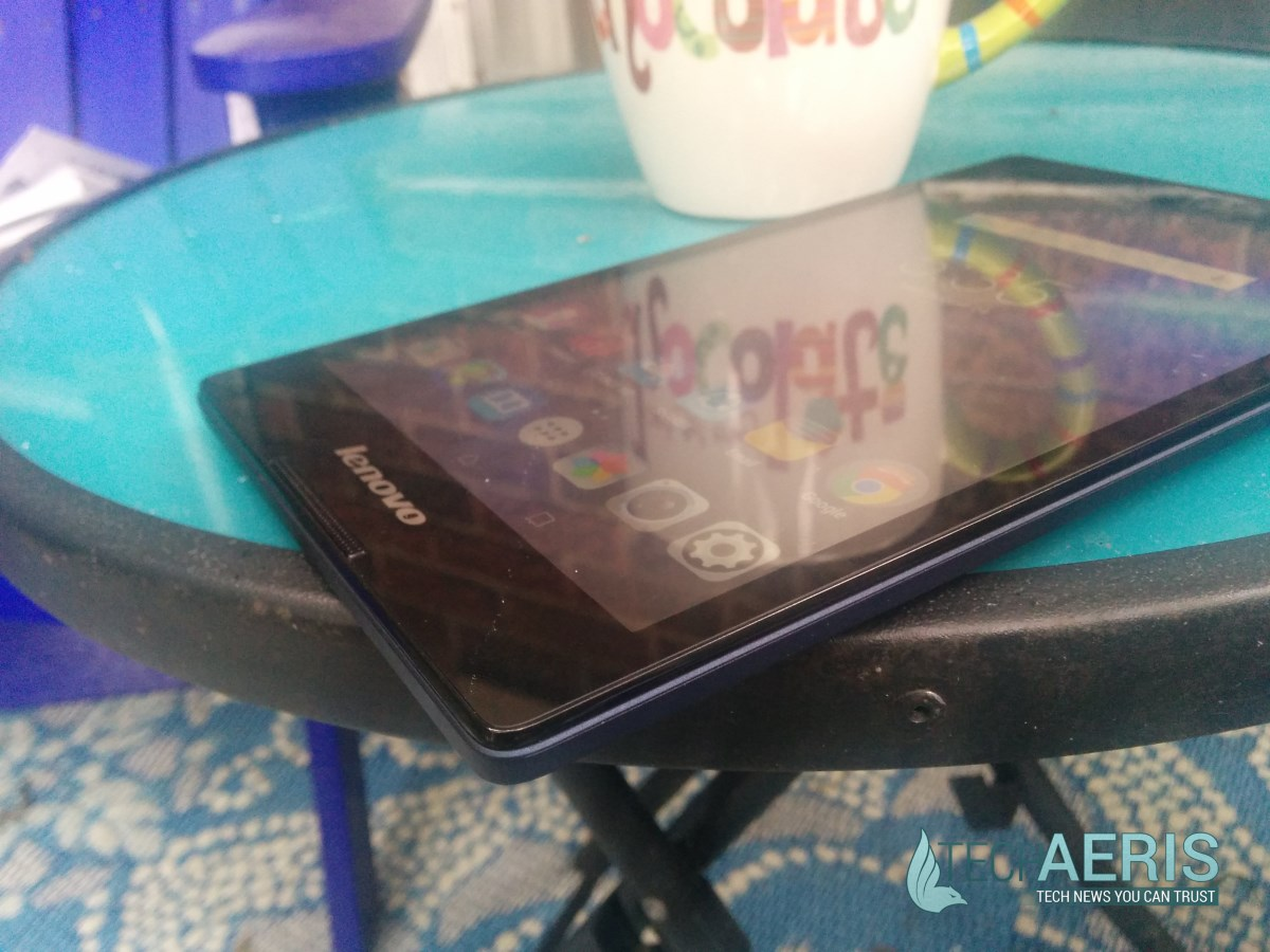 Lenovo Tab 2 A8 Review Side View