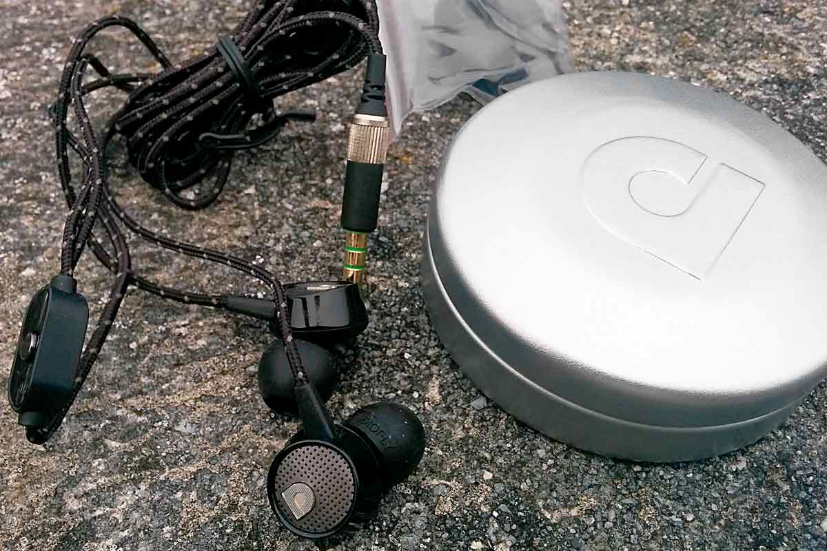 AudioFly AF56m contents.