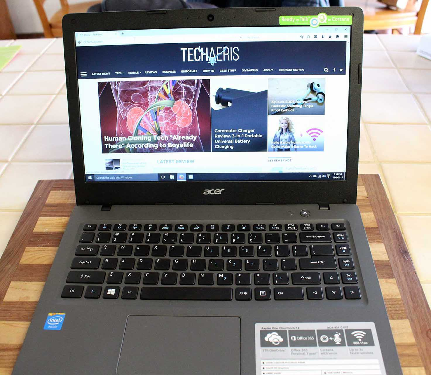 The Acer Cloudbook 14 display