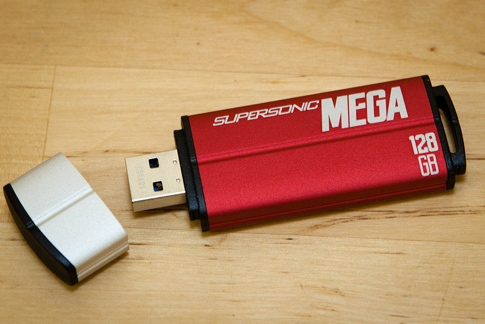 Supersonic-Mega-USB-Drive-Review-002