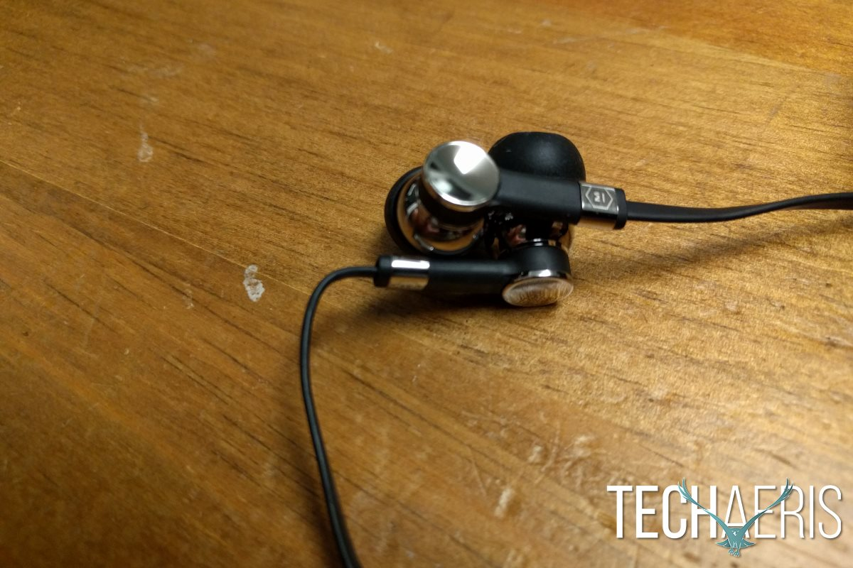 master-dynamic-me05-review-earbud-side-detail