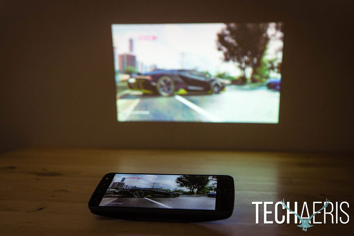 moto-insta-share-projector-review-10