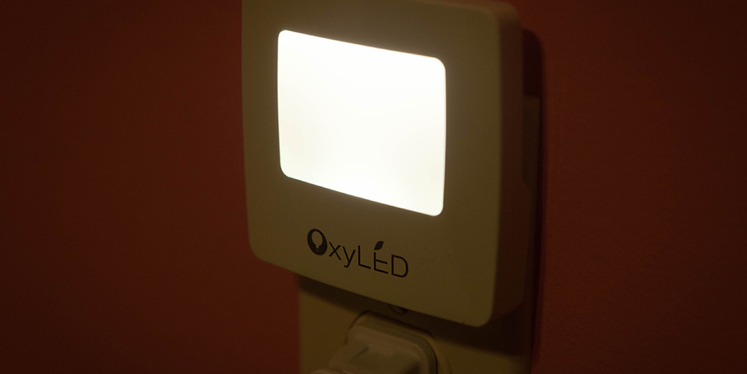 OxyLED-OxySense-LED-Night-Light-review