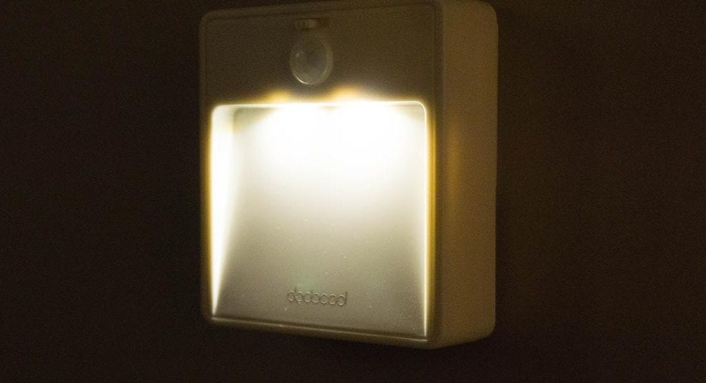 Dodocool Battery Ed Motion Sensor Night Light Review Easy Mounting For Non Outlet Areas