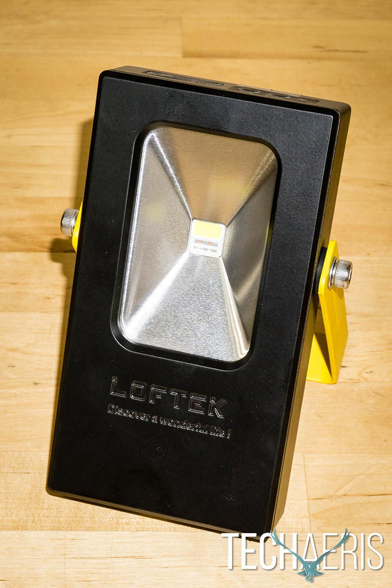 LOFTEK-15W-Portable-Floodlight-review-02