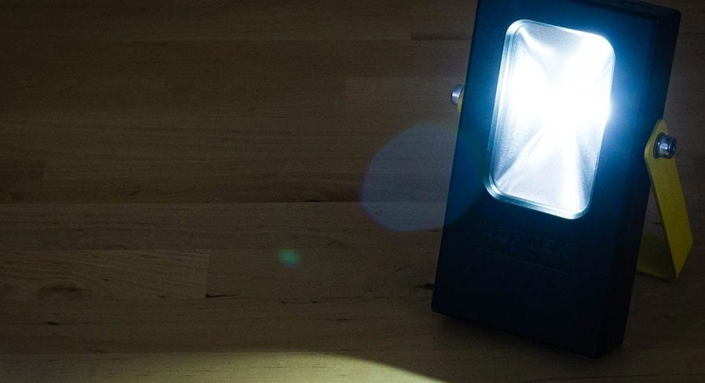 LOFTEK Rechargeable Work Light 7 Hours Lasting Battery Powered Flood Light with USB Ports and SOS Modes
