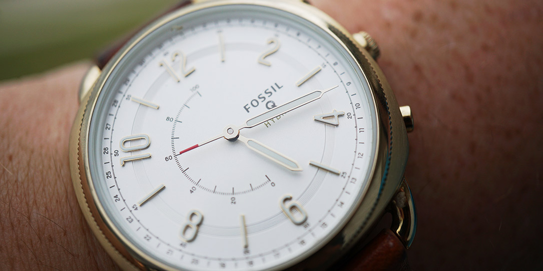 What Does Fossil Hybrid Smartwatch Do?