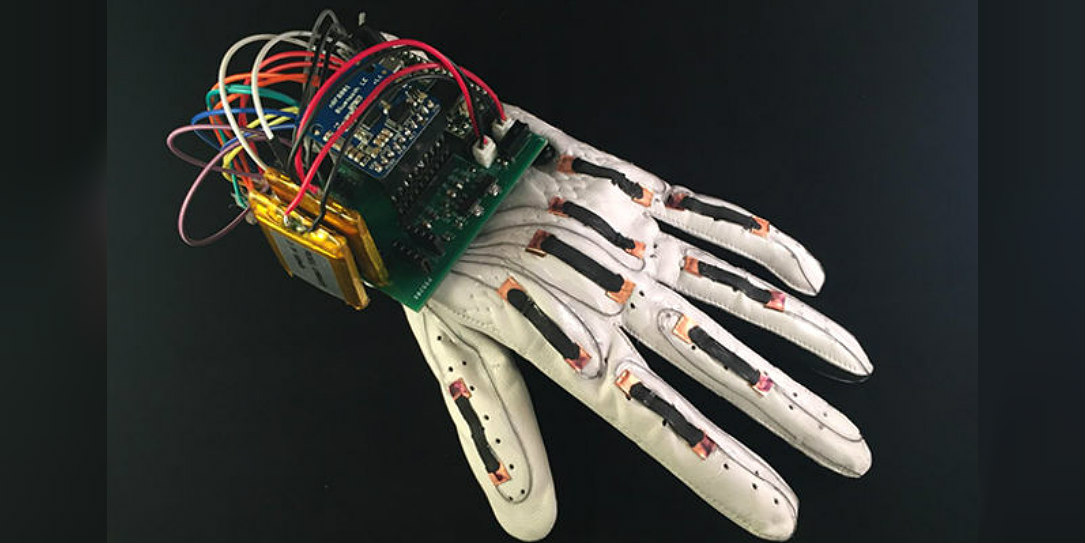 Scientists design low-priced smart glove capable of wirelessly translating sign language