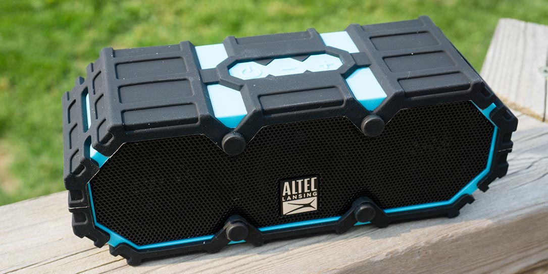 Altec-Lansing-Mini-Life-Jacket-3-review