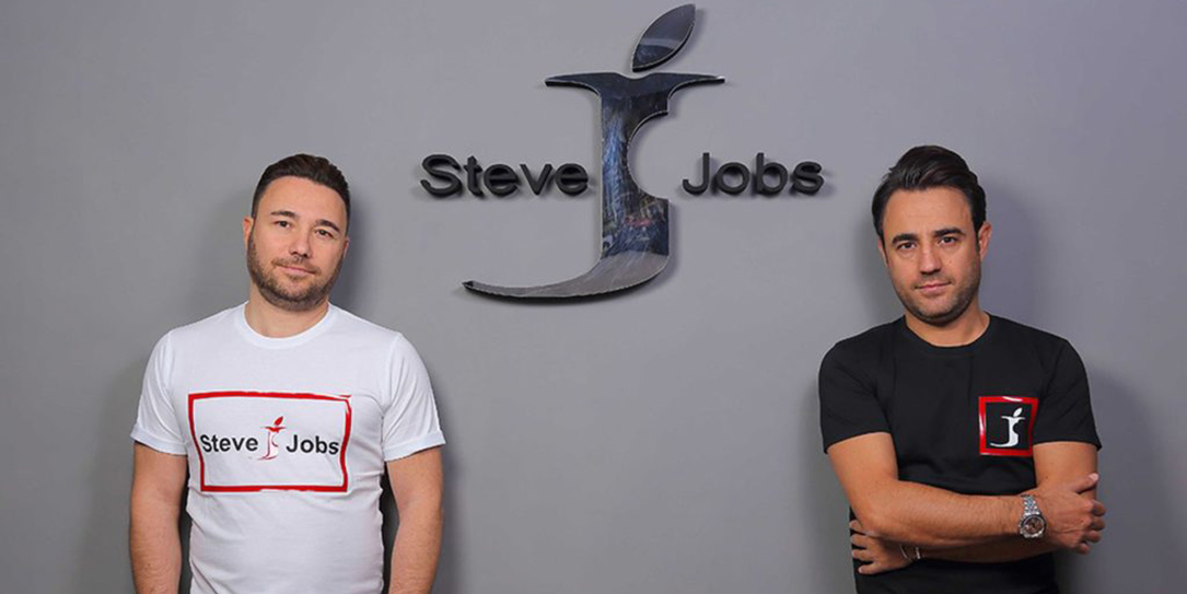 Uncreative Italian Brothers Win Right to Call Clothing Brand 'Steve Jobs'