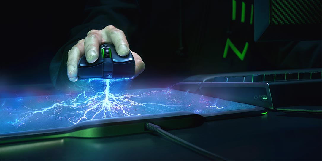 Razer-wireless-gaming-mouse-mousepad