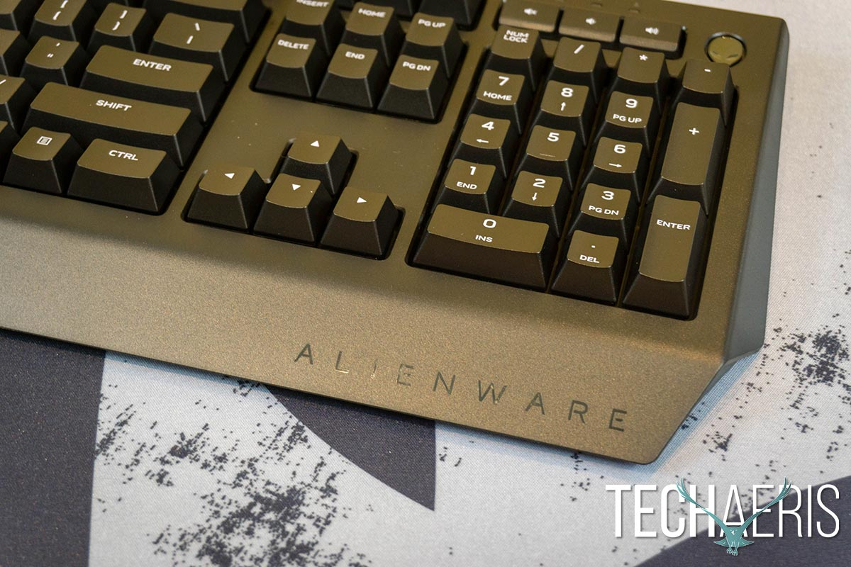 Alienware-Advanced-Gaming-Keyboard-review-06