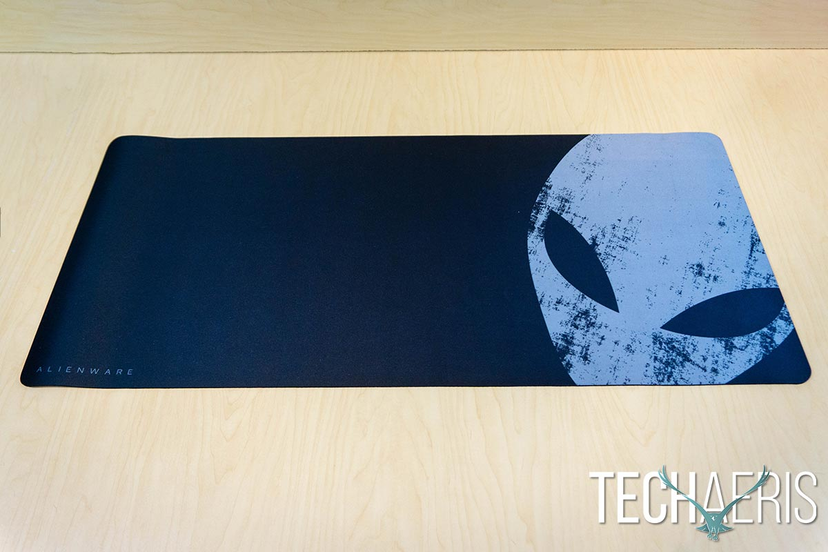 Alienware-TactX-Extra-Large-Gaming-Mouse-Pad-review-01