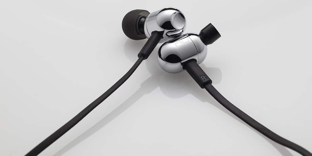 Optoma NuForce BE Live2 earphones