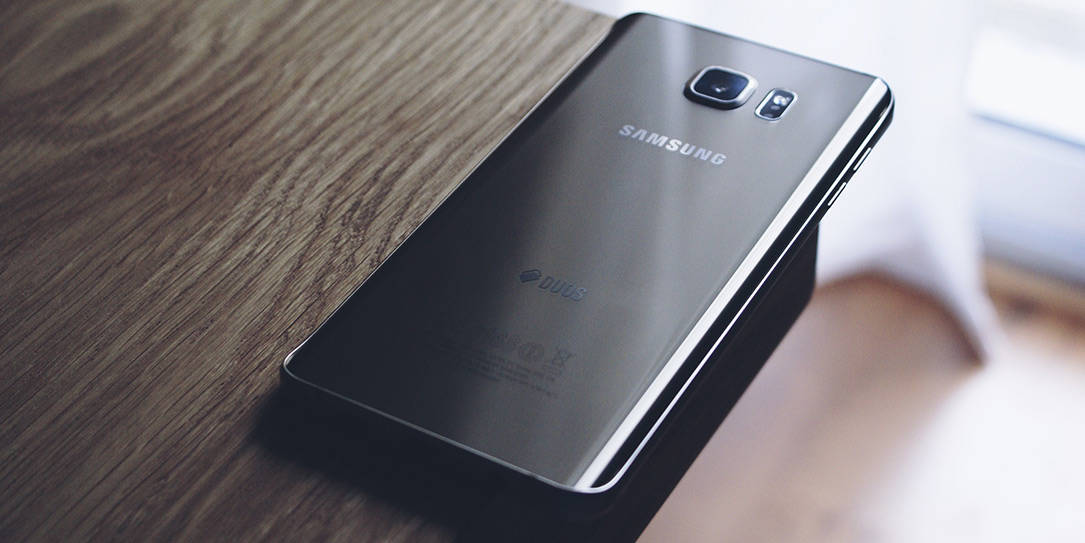 Samsung flexible display technology has been seen throughout the years in everything from the S7 Edge to the current Galaxy Note9