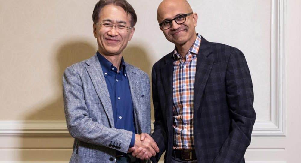 Kenichiro Yoshida, President and CEO, Sony Corporation (left), and Satya Nadella, CEO, Microsoft
