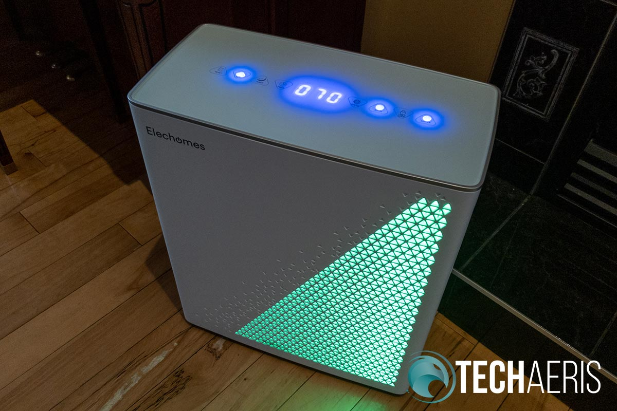 The Elechomes UC3101 Air Purifier indicating good air quality