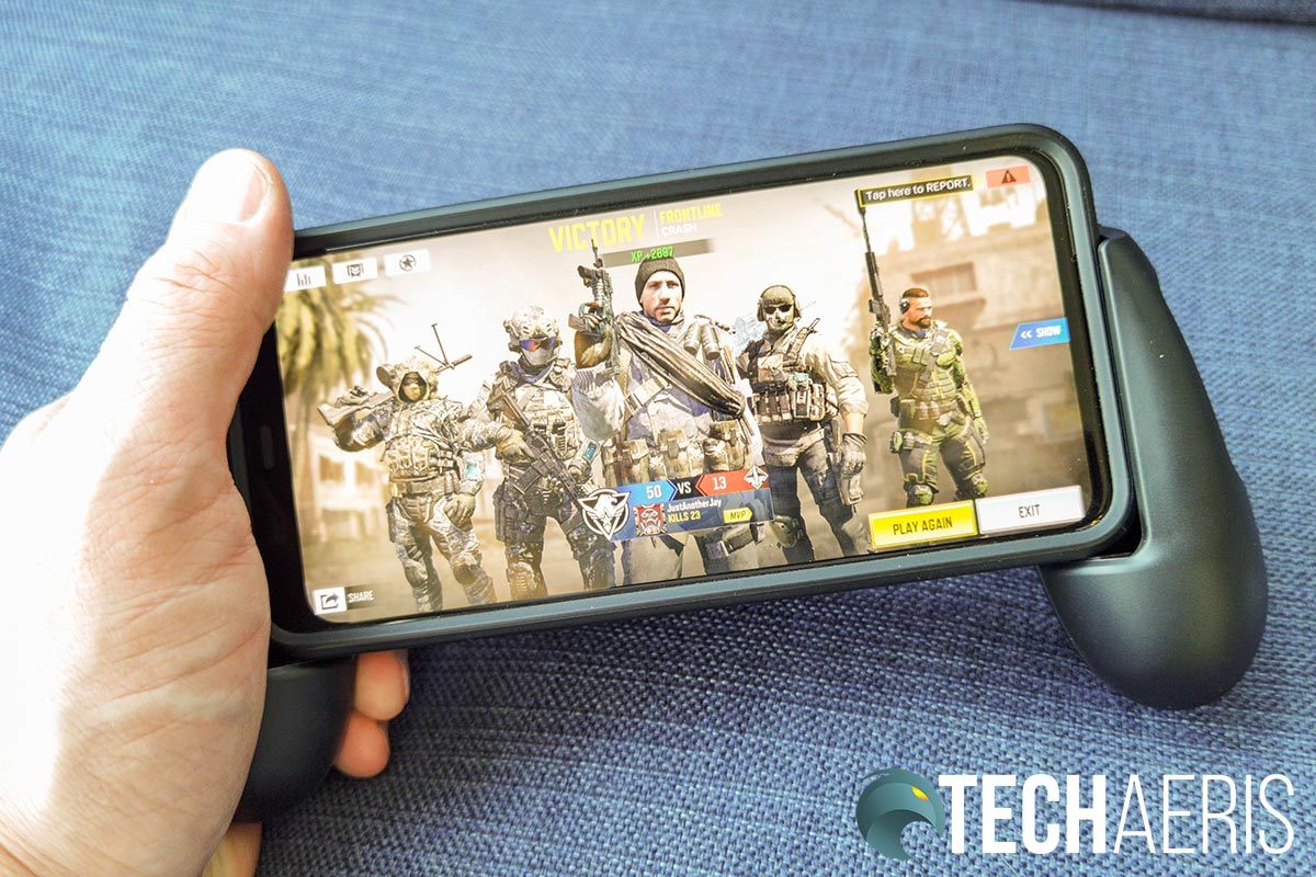 The HyperX ChargePlay Clutch for Mobile with Pixel 4 XL in case running Call of Duty: Mobile.