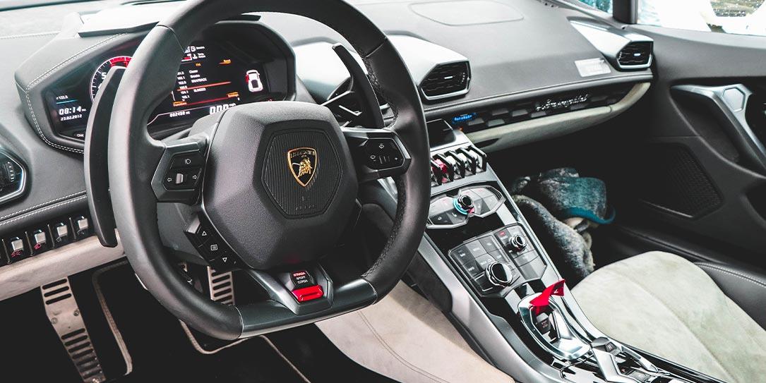 fuzzing vehicle Lamborghini steering wheel