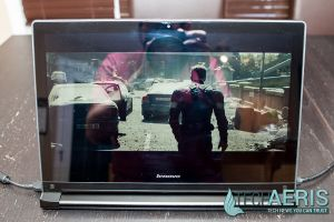 Lenovo-Edge-15-Review-Screen-Glare-Dark-Straight