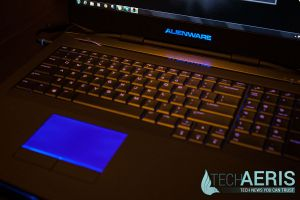 Alienware-17-Review-Blue-LED