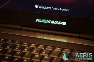 Alienware-17-Review-Glowing-Wordmark