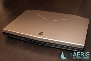 Alienware-17-Review-Top