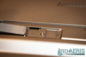 Lenovo-8-Android-YOGA-Tablet-2-Review-SD-Card-Slot
