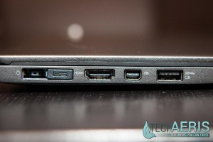 Lenovo-ThinkPad-X1-Carbon-Review-Ports