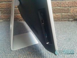 Acer Aspire AZ3-710 Review Side Ports