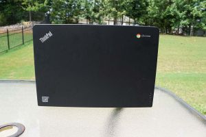 Lenovo-Thinkpad-13-Chrome-Back