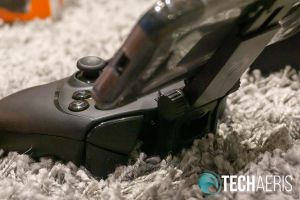 The SmartGrip attached to the Stratus Duo controller