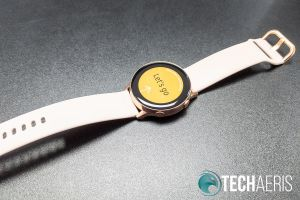 The Samsung Galaxy Watch Active has a bright, colourful AMOLED display